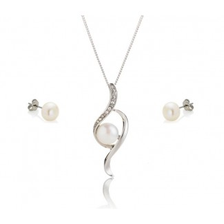 Freshwater Pearl Bow Pendant and Pearl Stud Earrings Set